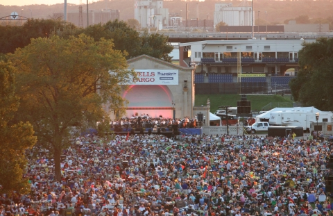 Riverfront concert Quad Cities/Davenport